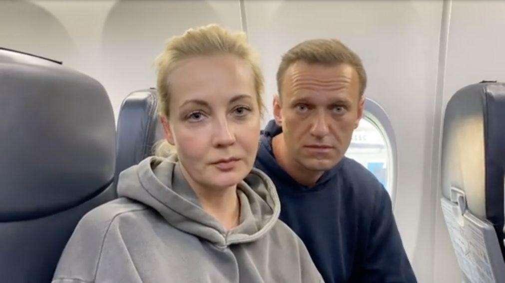 Mulher de Navalny entre os quase 400 manifestantes detidos na Rússia