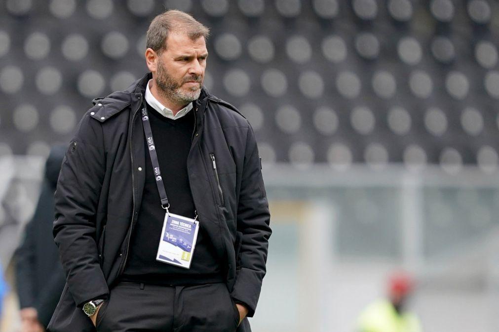Técnico do Vitória espera vencer Famalicão sob