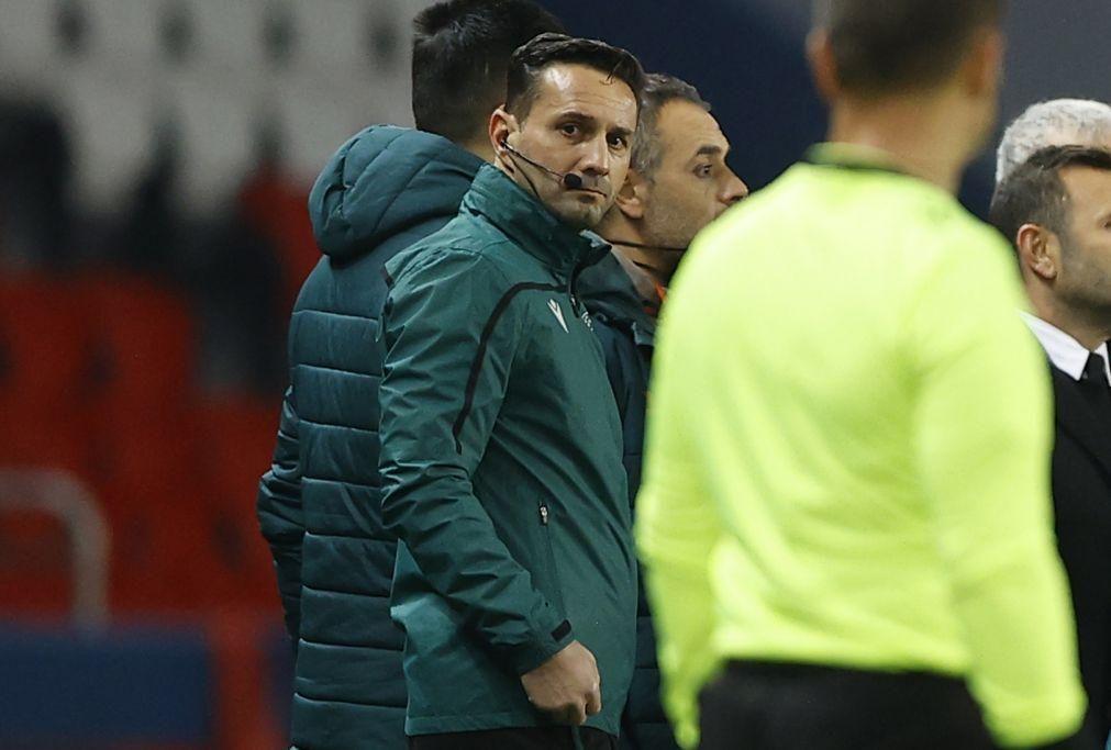 Quarto árbitro romeno acusado de racismo na 'Champions' voltou a atuar