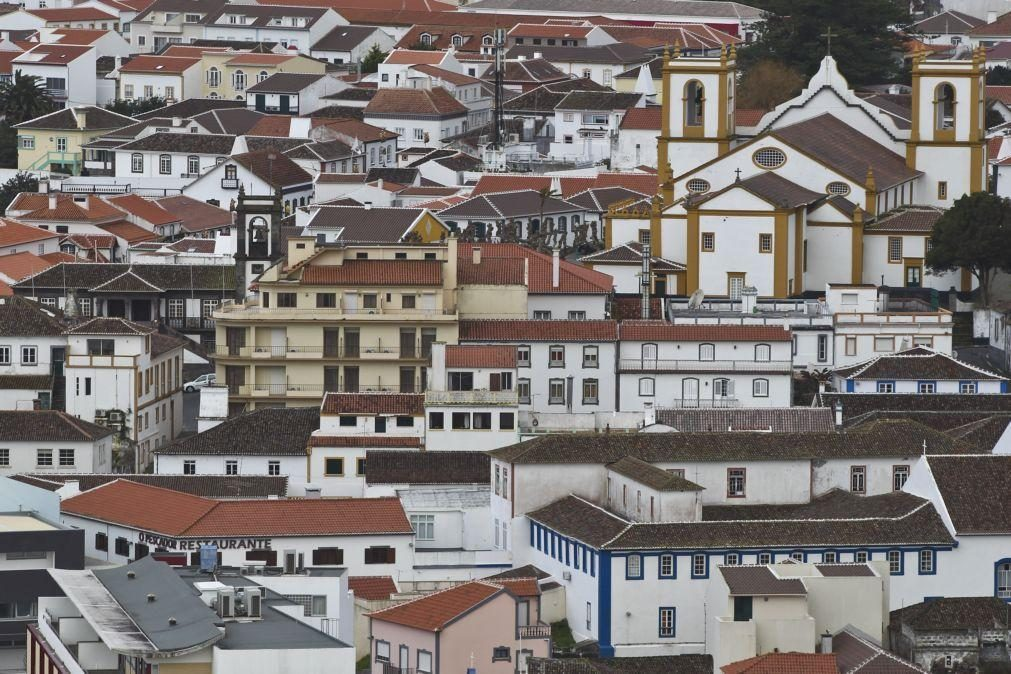 Ilhas do grupo Central dos Açores sob aviso amarelo devido a chuva