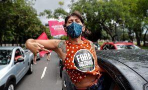 Covid-19: Milhares protestam nas ruas contra a gestão da pandemia por Bolsonaro