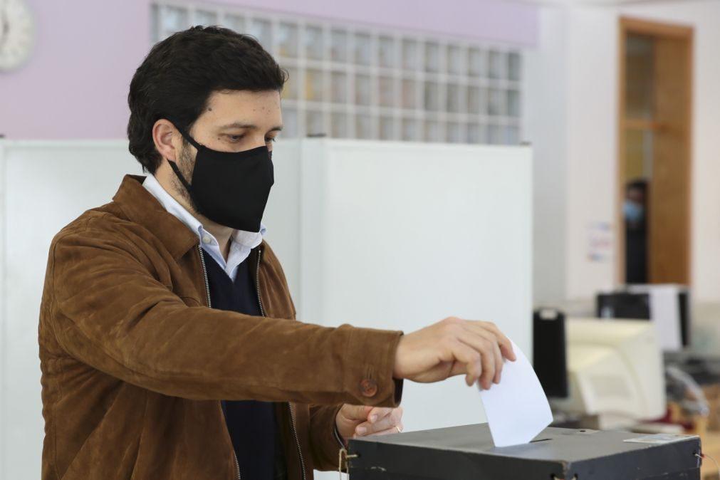 Presidenciais: João Ferreira diz que votação decorre com «segurança e tranquilidade»
