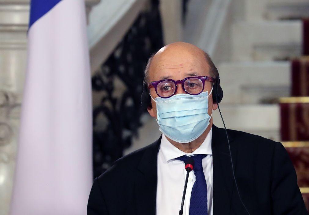 França considera detenções na Rússia ataque ao Estado de direito