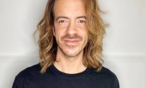 Cabeleireiro dos famosos dá dicas de como cuidar de cabelos lisos