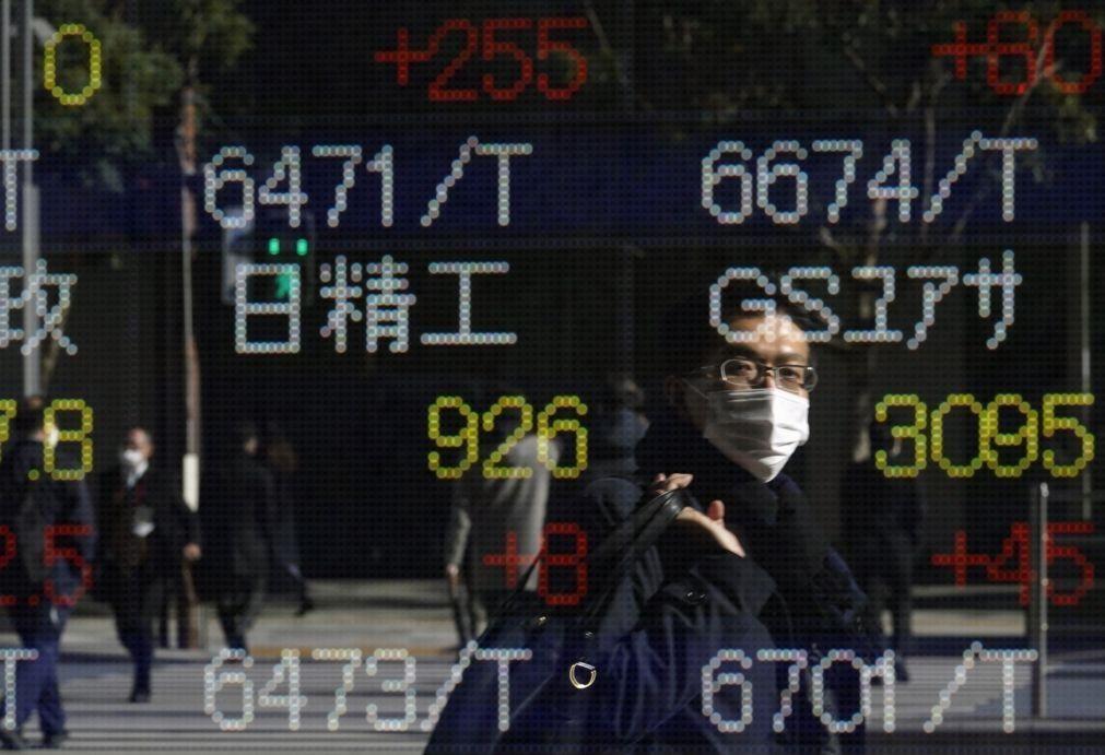 Bolsa de Tóquio fecha a ganhar 0,67%
