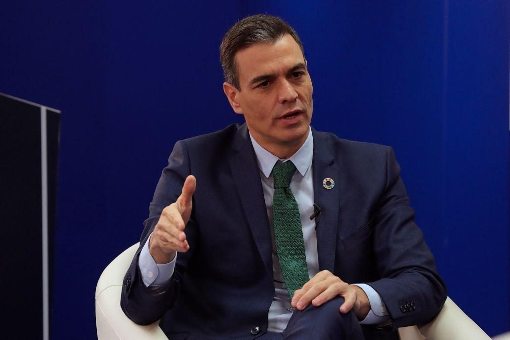 Pedro Sánchez felicita Marcelo e oferece o apoio de Espanha na nova fase