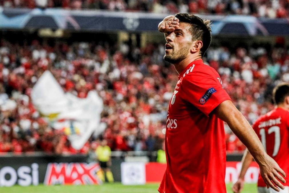 Benfica sofre para bater o Santa Clara, mas soma os 3 pontos [vídeos]