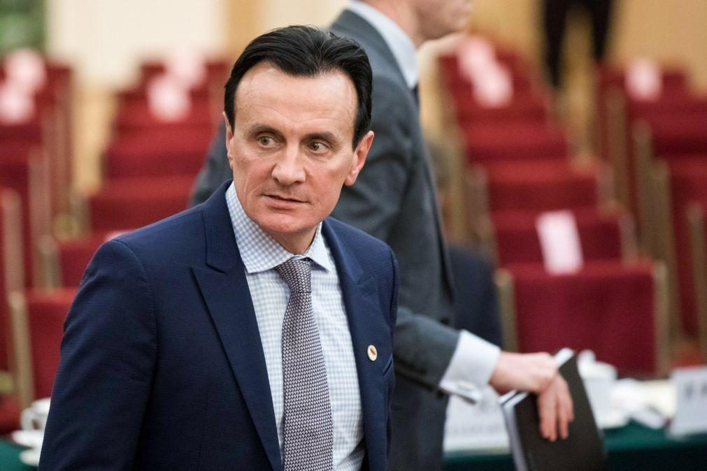 Covid-19: Presidente da farmacêutica Astrazeneca  lamenta egoísmo de alguns países