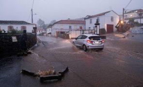 Proteção Civil dos Açores alerta para previsões de chuva forte em sete ilhas