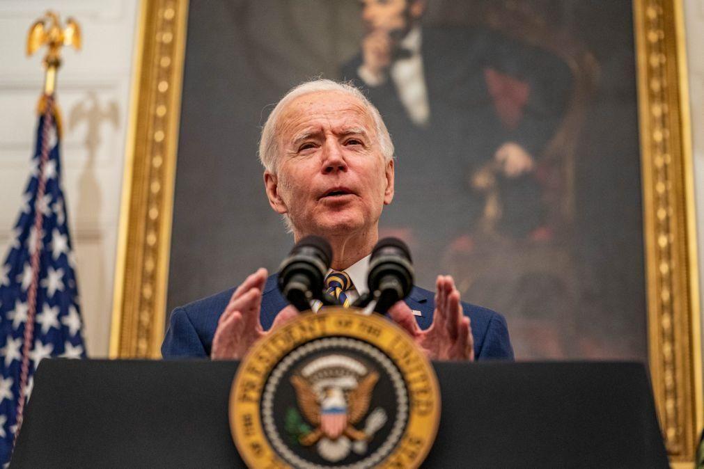 Biden revoga decisão de proibir transexuais nas Forças Armadas dos EUA
