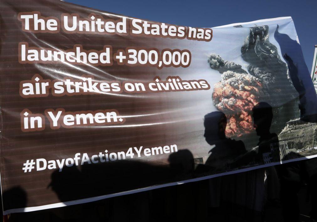 Iémen: Dezenas de milhares de apoiantes dos Huthis manifestam-se contra EUA