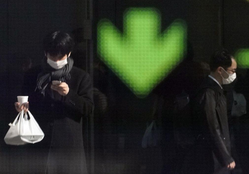 Bolsa de Tóquio fecha a perder 0,96%