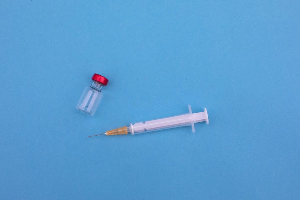 Covid-19: Falsas vacinas à venda na internet são enorme risco para a saúde