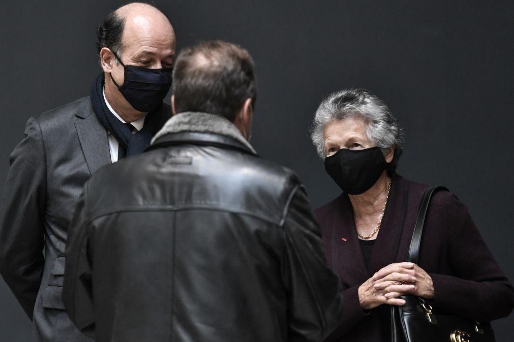 Covid-19: Máscaras comunitárias proibidas em França