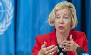 Covid-19: Vacinas usadas na UE protegem contra variante britânica