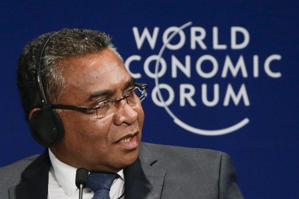 Covid-19: Timor-Leste devia ter comprado vacinas -- antigo PM
