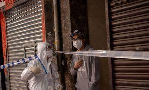 Covid-19: Hong Kong instaura confinamentos sem aviso prévio para combater novos surtos