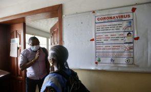 Covid-19: Maioria dos países africanos só terá vacinação em massa partir de 2023