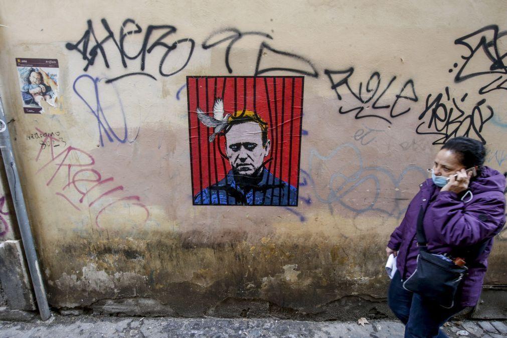 Polícia efetua buscas em apartamentos da família de Navalny