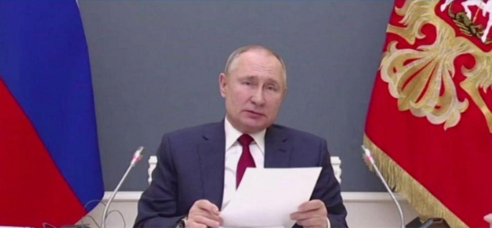 Covid-19: Putin alerta para eventual agravamento da instabilidade global