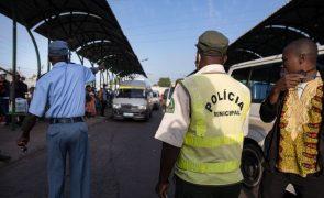 Polícia moçambicana suspende 63 agentes suspeitos de facilitar imigração ilegal