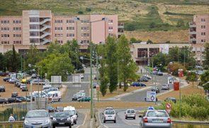 Covid-19: Médicos alemães estiveram hoje no Amadora-Sintra para avaliar ajuda