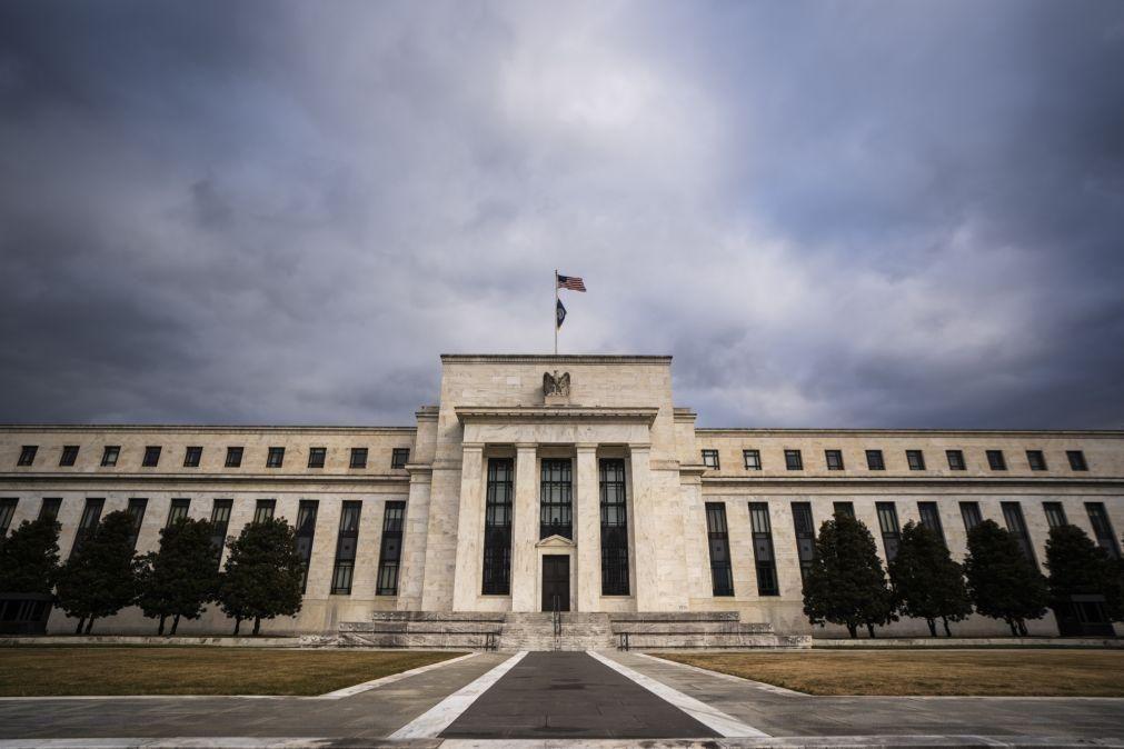 Reserva Federal deixa taxas de juro em mínimos até mercado laboral recuperar