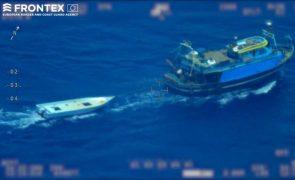 Frontex suspende missão na Hungria devido a devolução irregular de migrantes