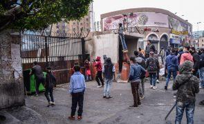 Covid-19:  Um morto e 300 feridos em protestos contra confinamento no Líbano