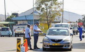 Covid-19: Mais de 1.200 moçambicanos deportados numa semana pela África do Sul e Essuatíni