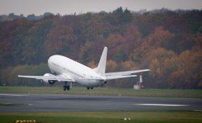 Covid-19: Mais de 300 brasileiros aguardam voo em Portugal para regressar ao país
