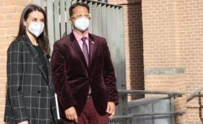 Letizia elogiada apesar de apanhada com casaco «ridículo» [fotos]