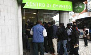Covid-19: Desempregados devem manter procura ativa de emprego à distância
