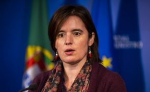 Covid-19: Governo limita deslocações para fora do país e repõe controlo de fronteiras