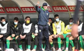 Treinador do Tondela quer equilibrar intensidade do Farense para evitar derrota