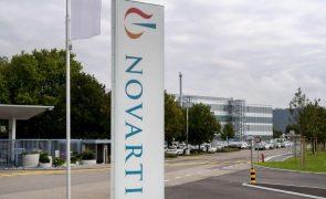 Covid-19: Novartis vai ajudar a produzir vacina da rival Pfizer-BioNTech