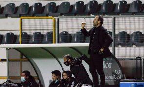 Treinador do Farense aponta à vitória no terreno de