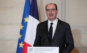 Covid-19: Governo francês opta por não voltar a confinar mas fecha as fronteiras