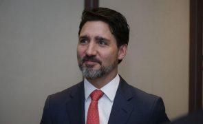 Covid-19: PM canadiano anuncia restrições mais rígidas aos viajantes