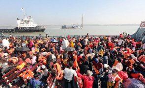 Bangladesh envia mais de 3.000 rohingya para ilha remota em dois dias
