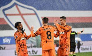 Juventus bate Sampdoria e 'salta' para o pódio em Itália