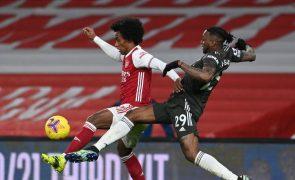 United fica-se pelo 'nulo' em casa do Arsenal e vê rival City 'fugir' na liderança