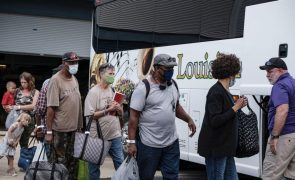 Covid-19: Estados Unidos impõem uso obrigatório de máscara nos transportes públicos