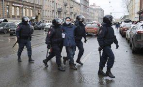 Navalny: Mais de mil detenções em manifestações de apoio a opositor russo