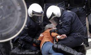 Covid-19: Mais de 200 detidos na Bélgica em protestos contra medidas de combate à pandemia