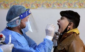 Covid-19: Infeções superam os 102,5 milhões no mundo desde início da pandemia