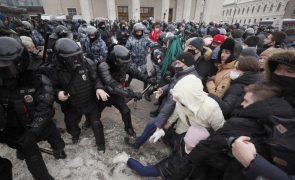 Navalny: Polícia russa detém mais de 2.800 manifestantes pela libertação de Navalny