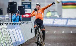 Mathieu van der Poel sagra-se campeão do mundo de ciclocrosse pela quarta vez