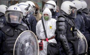 Covid-19: Polícia belga deteve cerca de 350 manifestantes anti-confinamento
