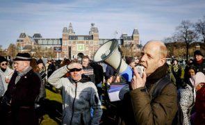 Covid-19: Protestos contra as restrições nos Países Baixos resultam em 34 detidos
